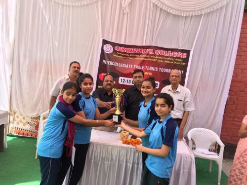Guru-Nanak-Girls-College-10