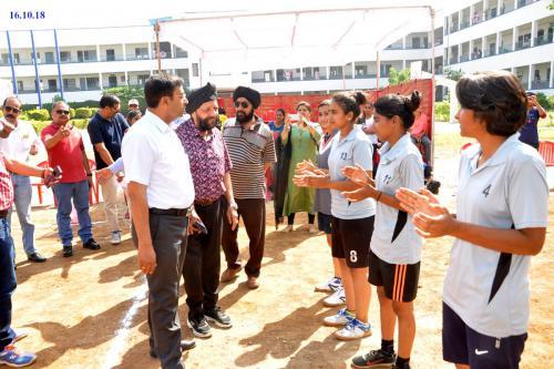 Guru-Nanak-Girls-College-19